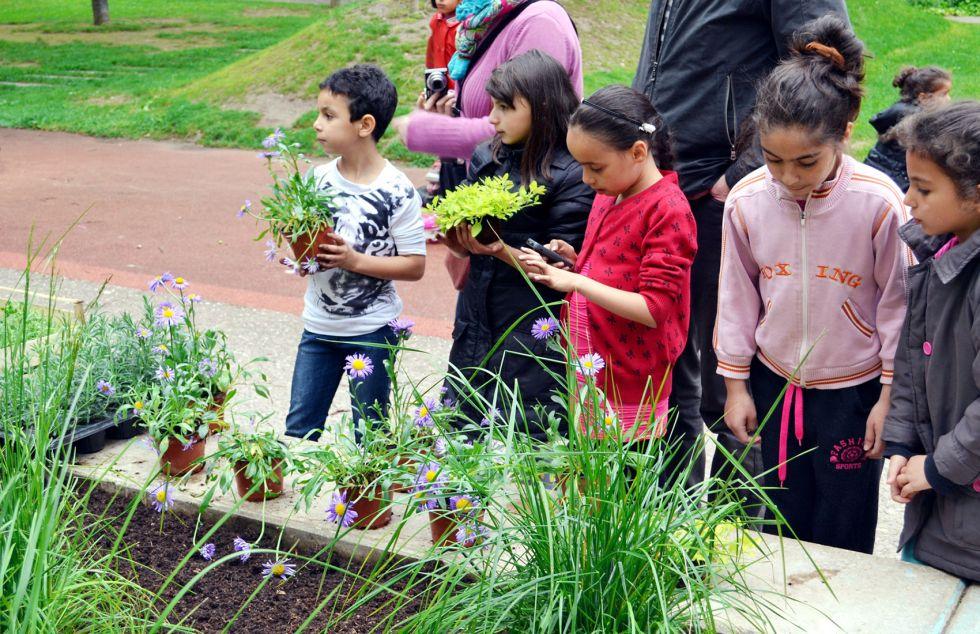 00-enfants-jardiniers1-web-9f055dc6f1ae226a5c98a3fff72216cc